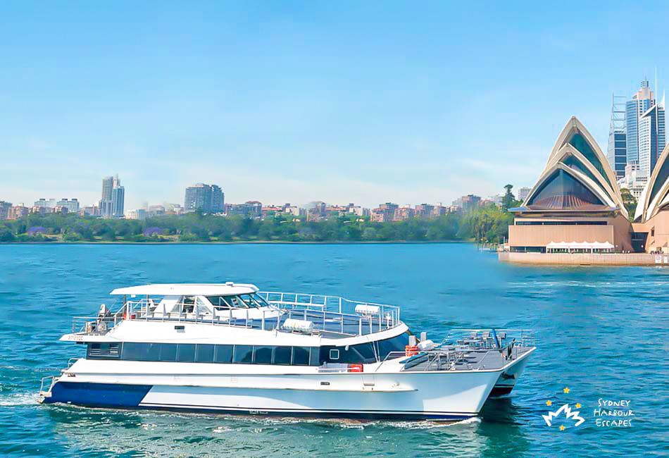 Harbour-Spirit-near-Opera-House-950x650
